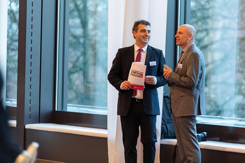 Wolfgang Allgeier, Leiter Veranstaltungen der Schulthess Juristische Medien AG im Gespräch