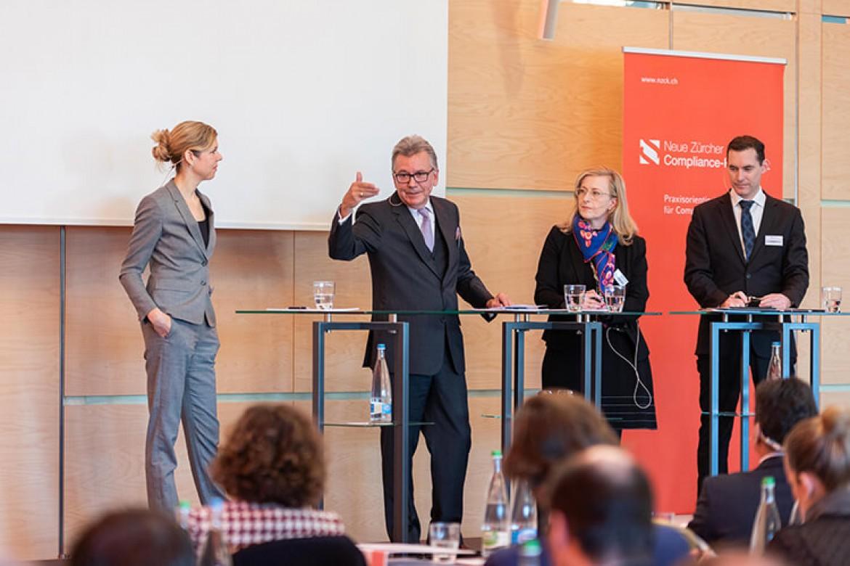 Elisabeth Bechtold, Urs Jaisli, Claudia Götz Staehelin und Marco Villiger bei der Paneldiskussion