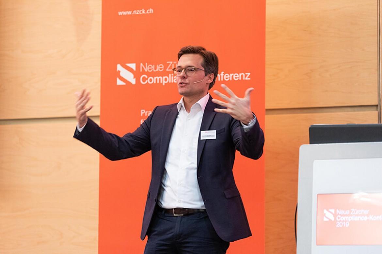 Dr. Björn Nill bei seinem Referat Data Compliance at Daimler